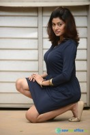 Oviya New Photoshoot (4)