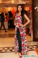 Nilofer at Khwaish Exhibition n Sale Launch (15)