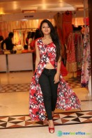 Nilofer at Khwaish Exhibition n Sale Launch (17)