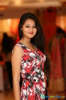 Nilofer at Khwaish Exhibition n Sale Launch (21)