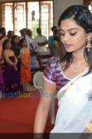 Sruthi Lakshmi Marriage Pics (50)