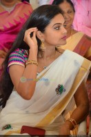 Sruthi Lakshmi Marriage Pics (74)