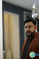 Dileep Stills in King Liar (6)