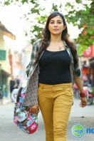 Parvathy in James & Alice (4)