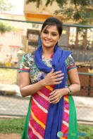 Remya Nambeesan in Style King (5)