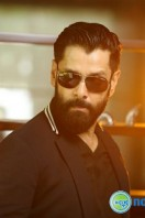 Vikram Latest Stills (6)