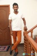 Vishal Interview Stills (2)