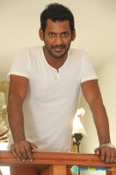 Vishal Interview Stills (6)