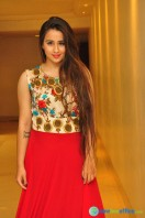 Simrath Juneja at Trendz Vivah Collection Exhibition (37)