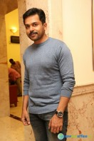 Karthi at Kaashmora Movie Press Meet (3)