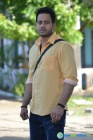 Kadaisi Bench Karthi Stills (24)