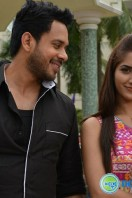 Kadaisi Bench Karthi Stills (32)