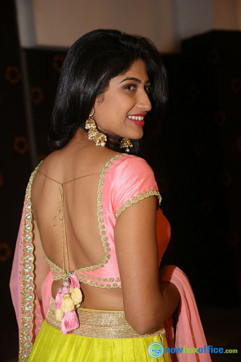 Bollywood Actress Without Clothes HOT CELEBRITIES ALL OVER Backless photos of bollywood actress