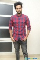 Sumanth Ashwin at Pelli Choopulu 100 Days Function (6)
