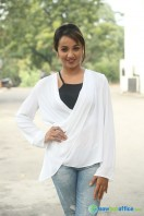 Tejaswi at Nenu Nanna Naa Boyfriends Trailer Launch (12)