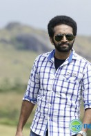 Shine Tom Chacko Stills in Pretham Und Sookshikkuka (11)