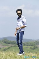 Shine Tom Chacko Stills in Pretham Und Sookshikkuka (6)