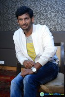 Vishal at Okkadochadu Promotion (10)