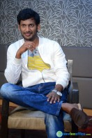 Vishal at Okkadochadu Promotion (11)