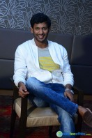 Vishal at Okkadochadu Promotion (15)
