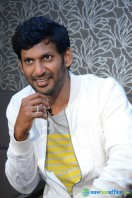 Vishal at Okkadochadu Promotion (19)