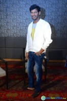 Vishal at Okkadochadu Promotion (20)