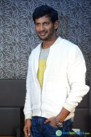 Vishal at Okkadochadu Promotion (21)