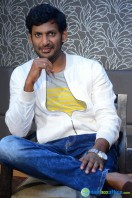 Vishal at Okkadochadu Promotion (4)