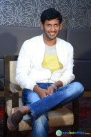 Vishal at Okkadochadu Promotion (8)