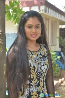 Nivedhitha at Vaanga Vaanga Team Interview (5)