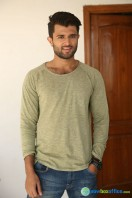 Vijay Deverakonda New Stills (14)