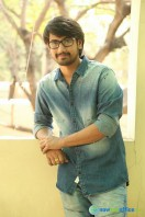 Raj Tarun Interview Stills (5)