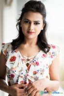 Shraddha Srinath Photoshoot (25)